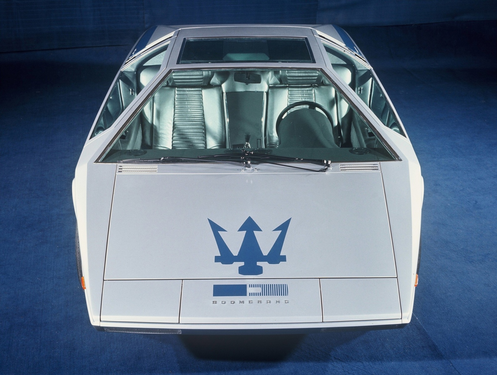 one-of-a-kind-maserati-boomerang-sold-for-376-million-less-than-initially-estimated_4