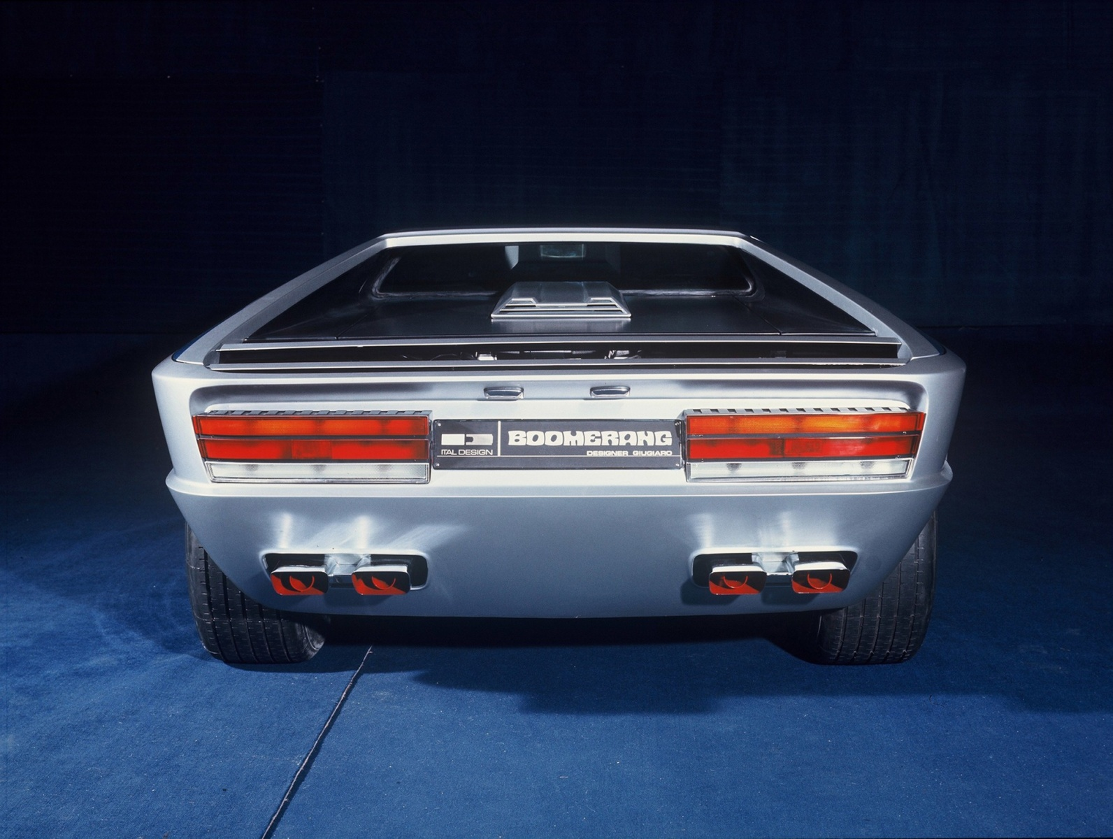 one-of-a-kind-maserati-boomerang-sold-for-376-million-less-than-initially-estimated_5
