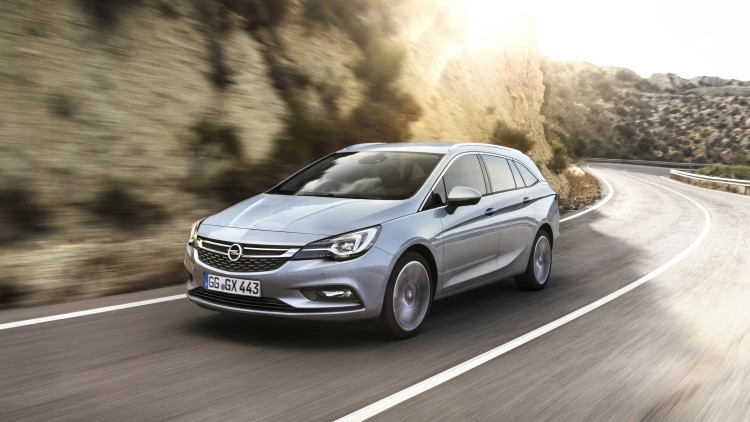 opel-astra-sports-tourer-297394-1