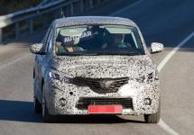 Renault Scenic 2016 fotografiat cu camuflaj aplicat, ni se promite un design inedit
