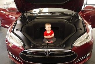 Tesla Model 3, sedanul mai ieftin şi mic Tesla intra în producţie în 2 ani; Va fi prezentat oficial în martie!