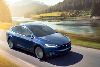 SUV-ul electric Tesla Model X este anunțat oficial; prețurile pornesc de la 132.000 dolari (video)