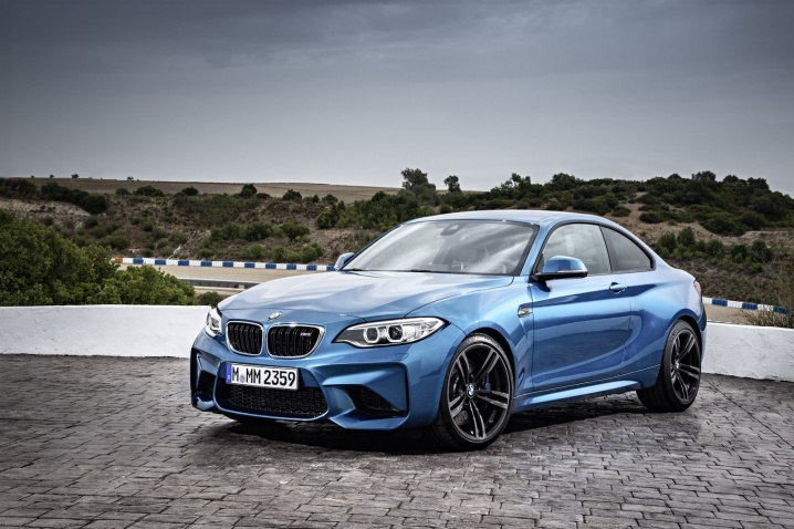 2017-bmw-m2-coupe-39