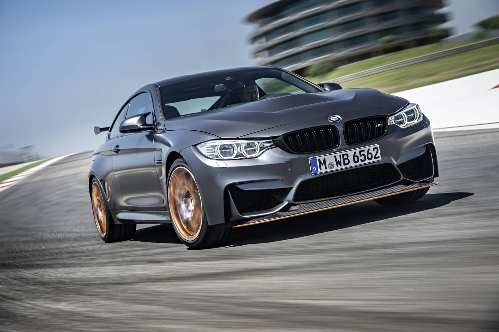 bmw-m4-gts-officially-unveiled-with-500-hp-and-a-728-nurburgring-lap-time-photo-gallery_2