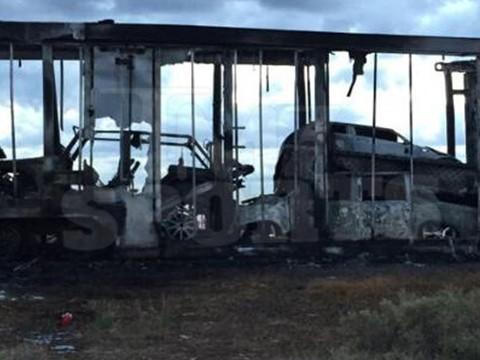floyds-burnt-cars-03b-480w