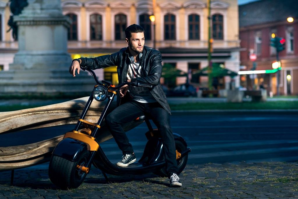 image-2015-10-6-20477554-0-scooterson-03