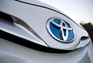 Toyota recheamă în service 6.5 milioane de automobile la nivel global, 1.2 milioane în Europa, pentru o problemă cu butonul ferestrelor