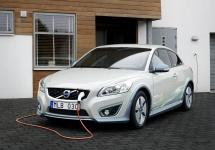 Volvo promite lansarea comercială a unui vehicul complet electric până în 2019