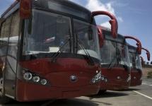 China pune în funcţiune autobuzul autonom Yutong, care rulează cu 67 km/h şi opreşte la timp la semafor (Video)