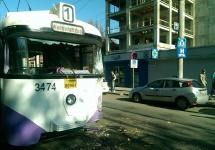 Exclusiv: Accident între un tramvai și o betonieră pe strada Doctor Iosif Nemoianu, din Timișoara