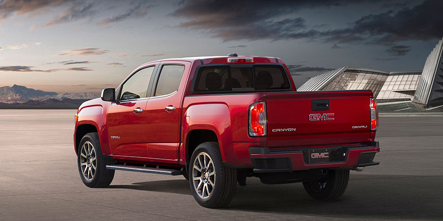 2017-GMC-Canyon-Denali_3