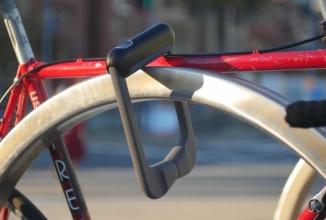 Grasp e un mecanism antifurt de blocare a bicicletei, cu sistem de recunoaştere a amprentei (Kickstarter)