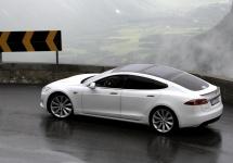 Toate cele 90.000 automobile Tesla Model S au fost chemate în service; aparent, există probleme cu centura de siguranță destinată șoferului