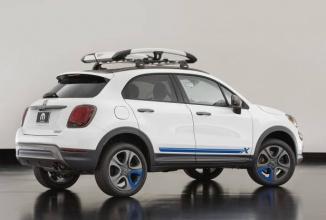 SEMA 2015: Fiat 500X Mobe este un concept bazat pe parapantă şi surfing, cu şasiu în culoarea perlei