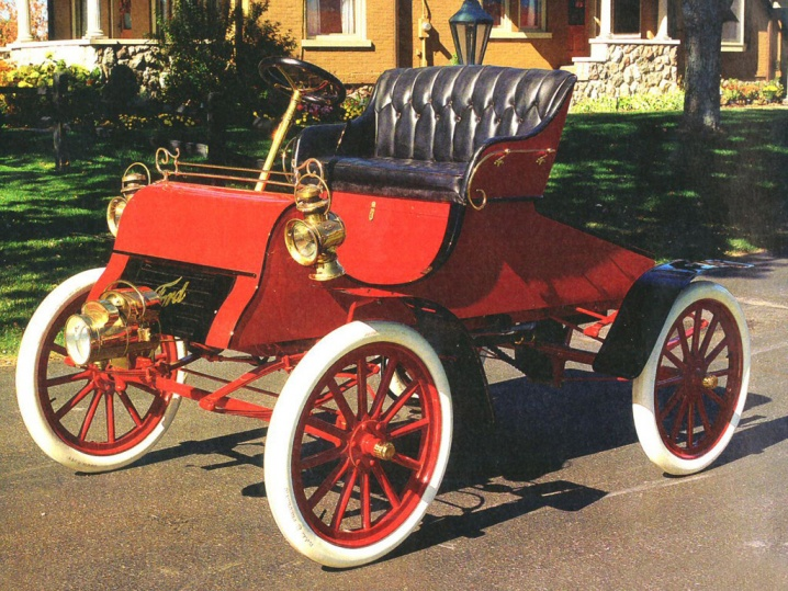 Ford-Model-A-1903-1904-Photo-02