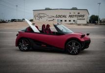 Local Motors prezintă versiunea finală a modelului LM3D Swim, vehicul printat 3D ce va avea un preț de 53.000 $