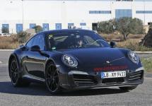 Primele fotografii spion cu 2017 Porsche 911 în varianta prototip, ajung pe web; iată cum arată acesta