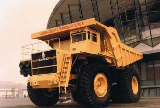Supercamionul lui Ceauşescu DAC din anii 80 aminteşte de uriaşii Caterpillar şi folosea tehnologie la modă acum