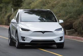 Tesla Model X disponibil acum la preţul de pornire de 80.000 de dolari, fără scutirile speciale de taxe, în variatele 70D, 90D şi P90D