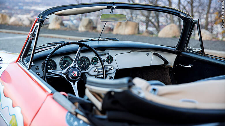 151207145612-gallery-collector-cars-janis-joplin-porsche-interior-780x439