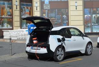 Audi dorește implementarea unei prize universale pentru automobilele electrice