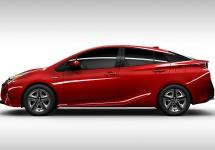 Primul lot de automobile Toyota Prius 2016, este gata de livrare către clienți