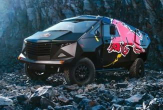 Red Bull tunează un Land Rover masiv, îl transformă într-o dubiţă de petreceri