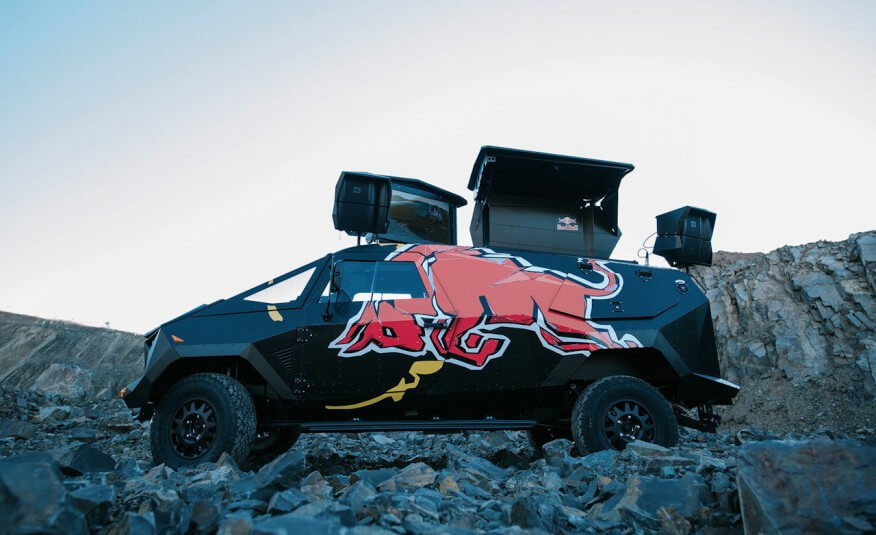 Red-Bull-Land-Rover-102-876x535