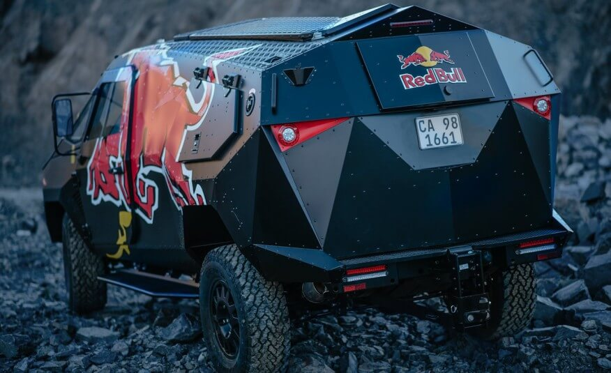 Red-Bull-Land-Rover-103-876x535