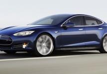 CEO-ul BMW nu e impresionat deloc de funcţia Autopilot de pe modelele Tesla