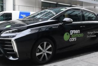 O companie din Londra foloseşte pentru taximetrie un automobil cu motor pe hidrogen care produce doar apă când rulează