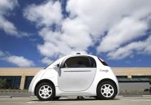 Automobilele autonome Google au parte de mai puţine accidente decât cele cu şoferi umani, conform unui studiu Google