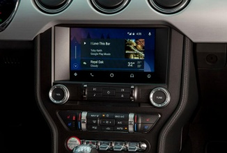 Ford confirmă implementarea lui Android Auto şi CarPlay pe automobilele sale