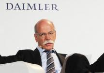 CEO-ul Daimler se declară surprins de progresul Apple în iniţiativa sa auto, dar şi al celor de la Google
