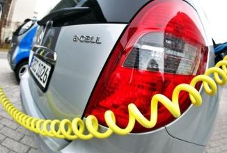 Ministrul Economiei din Germania doreşte mai multe automobile electrice pe şosele, oferă reduceri speciale la achiziţie