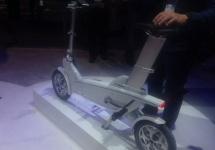 Bicicleta electrică Ford ModeMe e prezentată la CES 2016, pulsul utilizatorului poate controla motorul