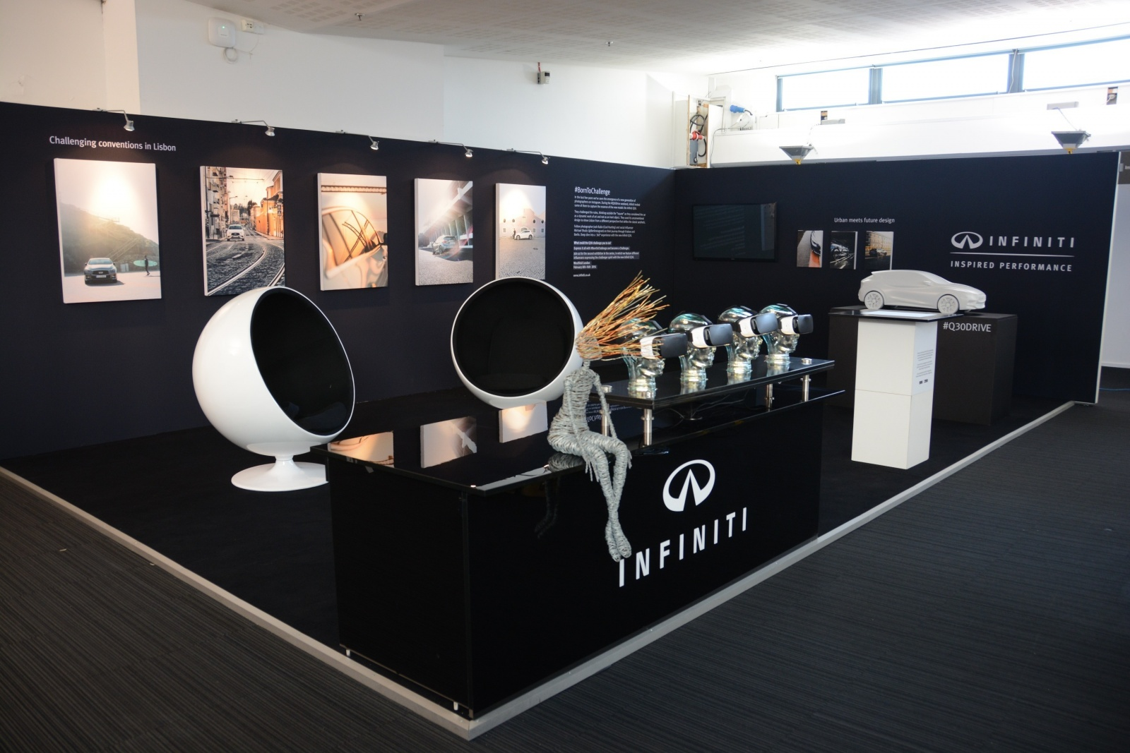 infiniti-makes-an-impression-at-the-london-art-fair-with-q30-car-art-photo-gallery_2