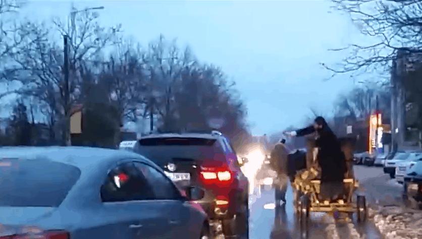 masini sfintite in trafic