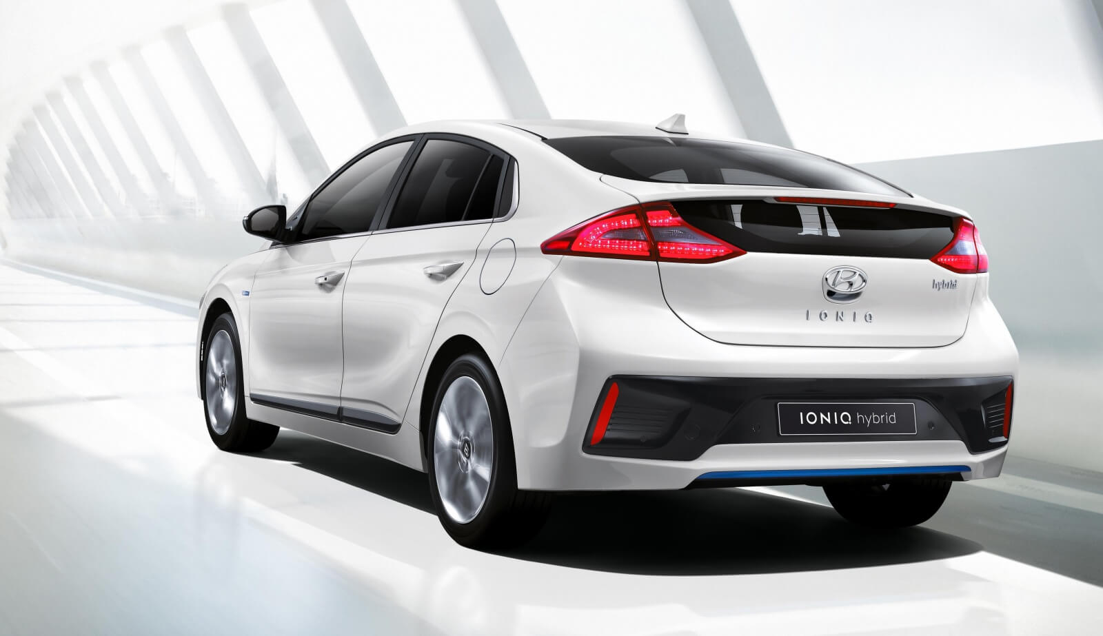 the-hyundai-ioniq-is-finally-here_1