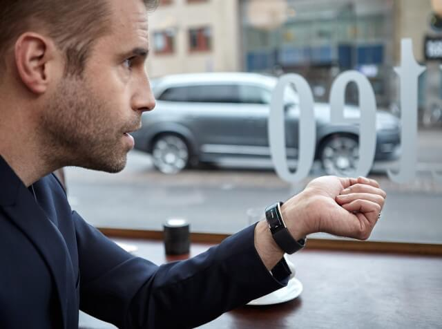 volvo-voice-control-with-microsoft-band-2-smartwatch_100540890_m