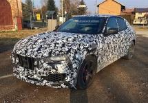 Maserati Levante 2017 apare în imagini spion cu mai puţin camuflaj decât la ultimele scăpări