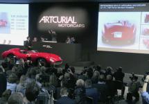 Un model istoric Ferrari 335S Spider Scaglietti stabileşte un record la licitaţie: 35.7 milioane de dolari