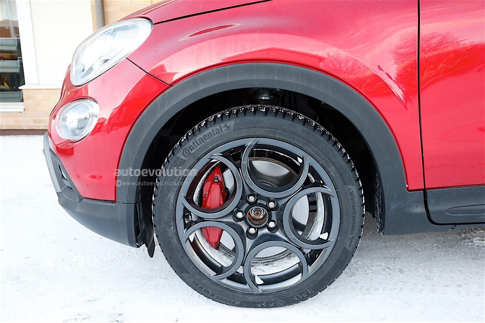 fiat-500x-abarth-spied-with-no-disguise_3
