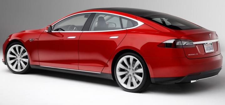 37057622013-Tesla-Model-S-rear-three-quarter-1