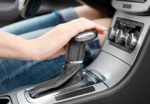 Iată 5 recomandări utile pentru posesorii de vehicule cu transmisie automată