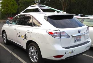 S-a întâmplat inevitabilul: un automobil autonom Google a avut un accident, ciocnindu-se cu un autobuz