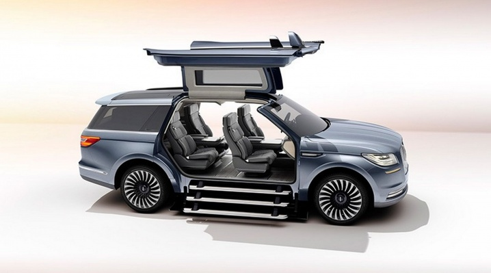 Lincoln_Navigator_Concept_07