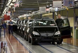 Daimler ar urma să producă automobile Mercedes la Sebeş, cumpără terenuri în jurul fabricii STC