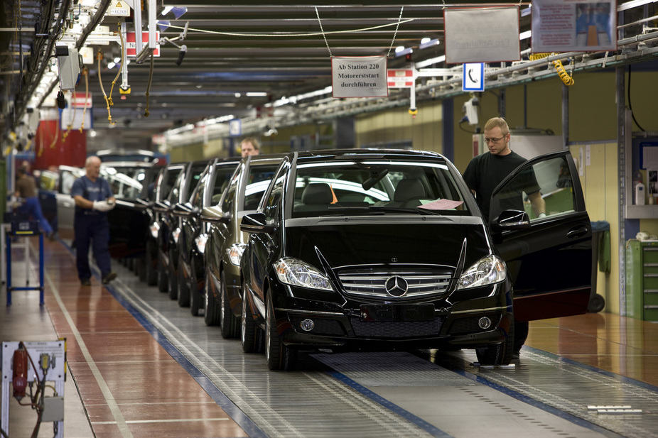 daimler_invests_600_millions_in_the_expansion_of_mercedes_be_large_11166