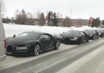 4 modele Bugatti Chiron surprinse într-un convoi ce valorează cât un jucător bunicel de fotbal
